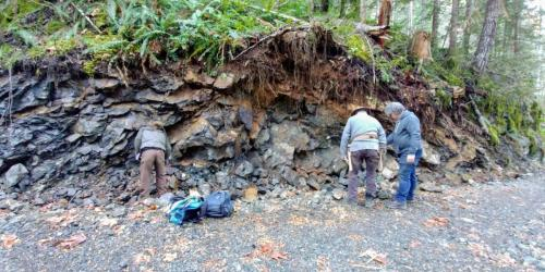 Looking for zeolite at the pillow lava formation.(Blue Grouse Mine)